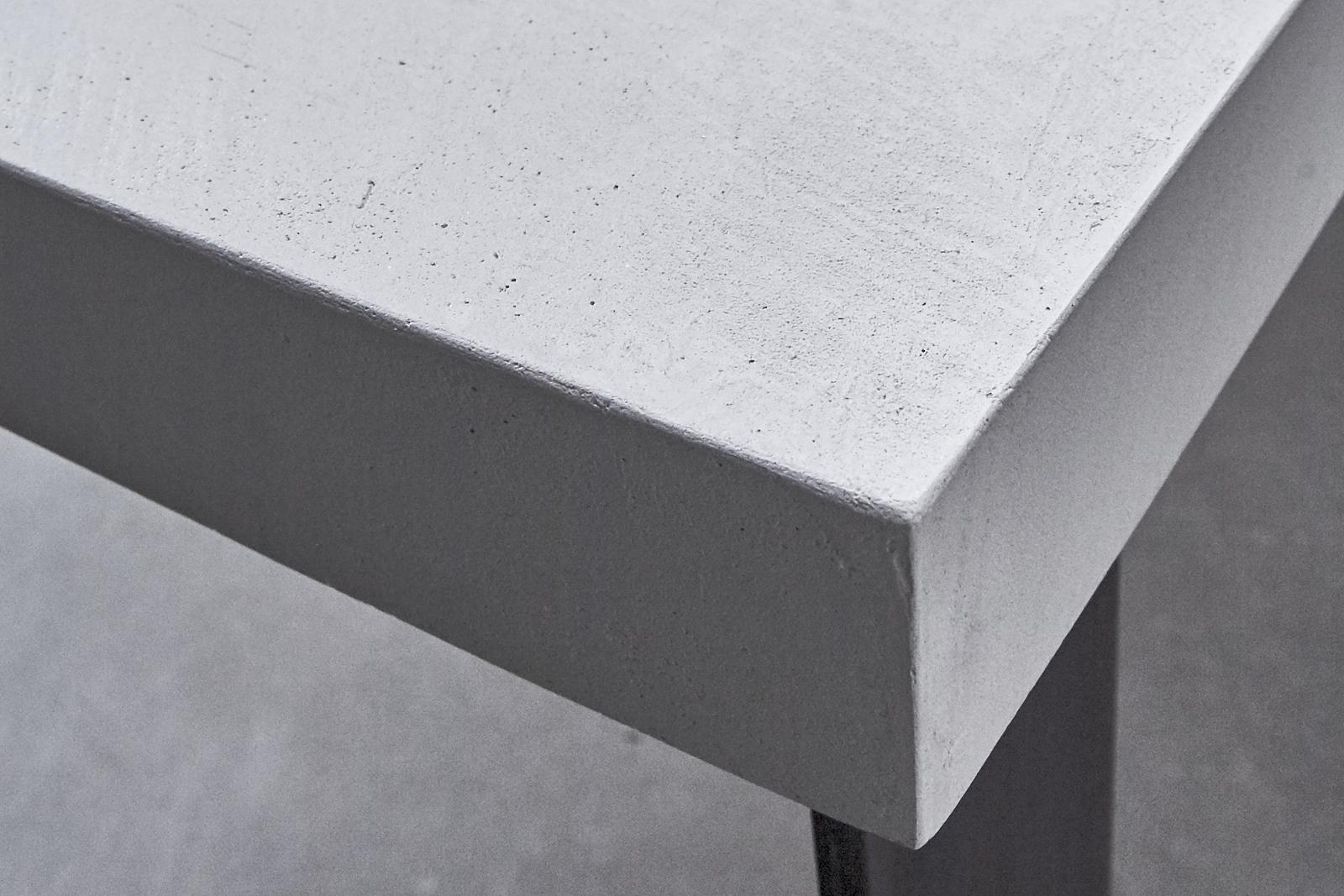 Betonlook tafel maken betonnen keukenblad maken for Tafelblad maken