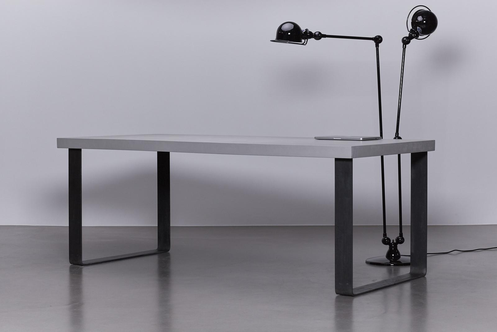 Betonlook tafelblad maken in beton cire afgewerkt with betonlook