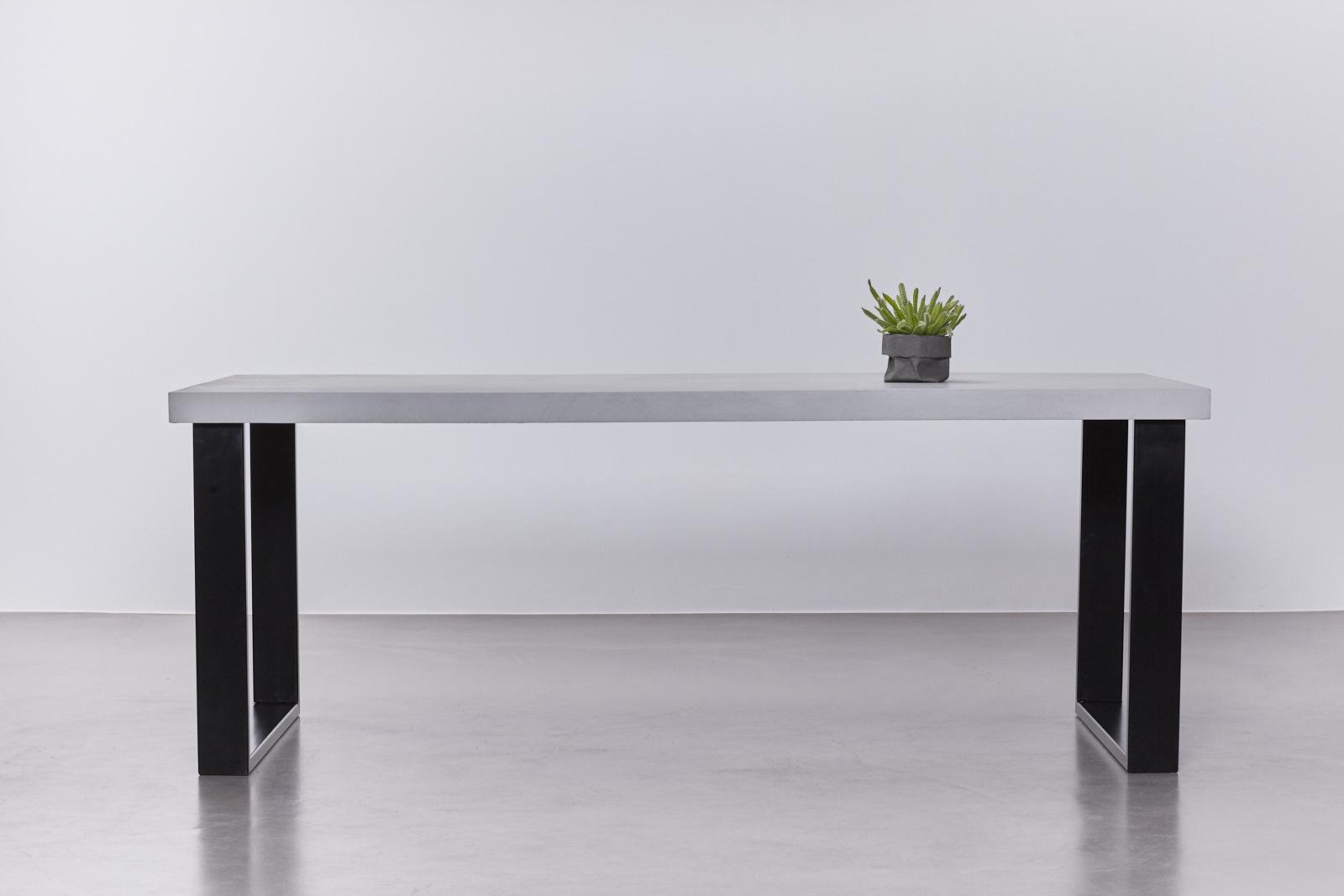 betonlook tafel onderstel staal zwart de betonfabriek. Black Bedroom Furniture Sets. Home Design Ideas